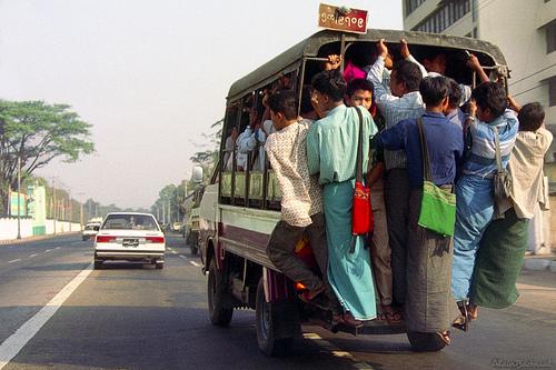 Ein Bus in Yangon/ Rangon, Myanmar