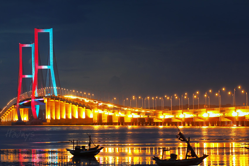 Surabaya, Suramadu Bridge