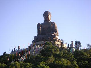 Der Buddha ist die Top Sehenswürdigkeit auf Lantau Island